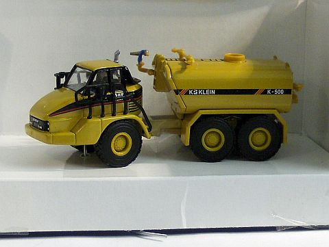 Cat 730 Water Tanker