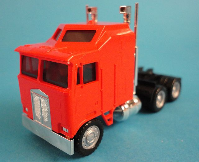 Kenworth K 100 Orange 1 L