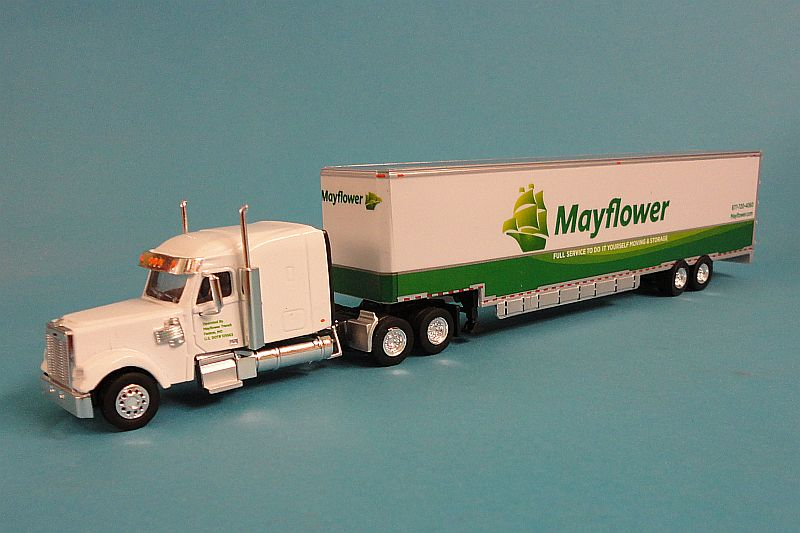 Freightliner Coronado MR Mayflower