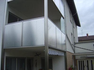 giese metallbau gmbh balkongel nder balkongel nder mit f llung aus alu pr geblech. Black Bedroom Furniture Sets. Home Design Ideas