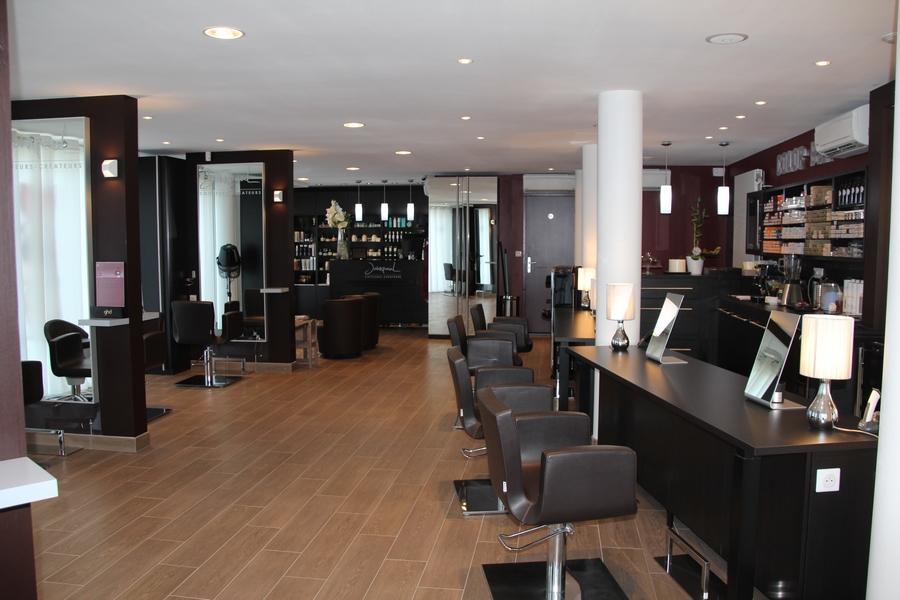 Salon de coiffure luxe strasbourg coiffures modernes et for Salon de coiffure en france