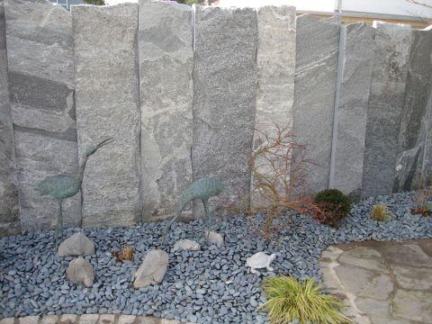 schmid kran ag gr ningen palisaden sichtschutz palisaden maggia granit. Black Bedroom Furniture Sets. Home Design Ideas