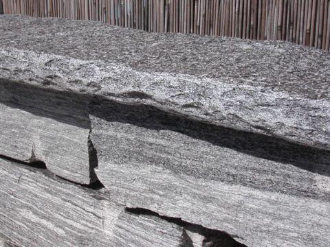 schmid kran ag gr ningen abdeckplatten tessiner granit. Black Bedroom Furniture Sets. Home Design Ideas